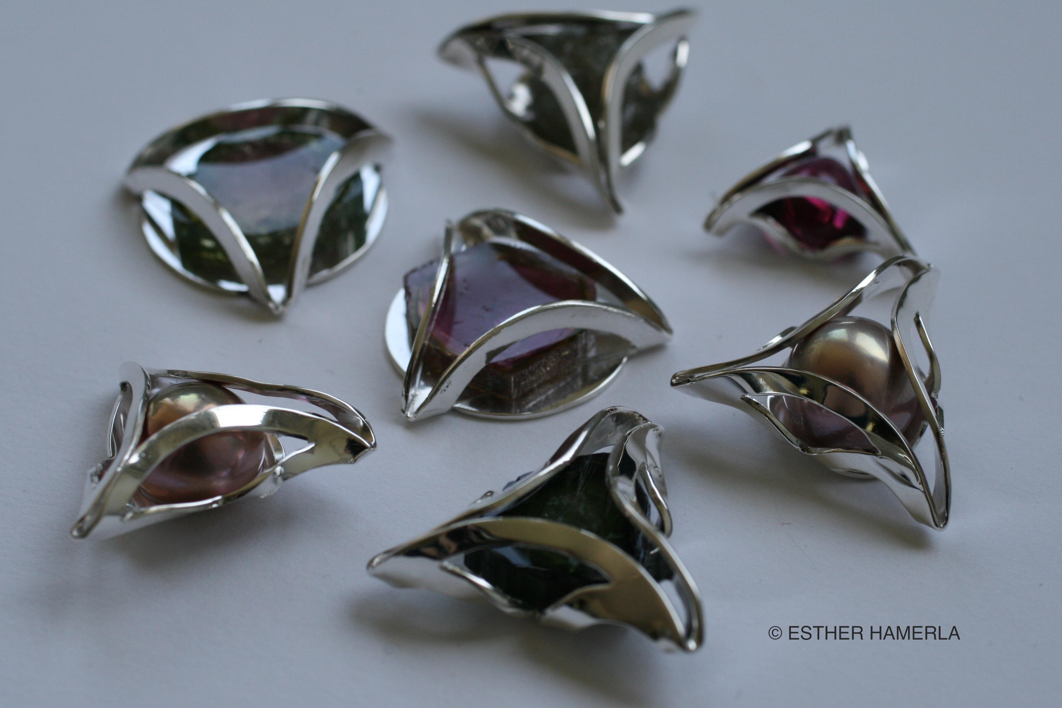 pendentif-exposition-Esther-Hamerla-artisan-d-art-tourmaline-perle
